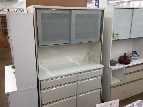 アウトレット品の食器棚