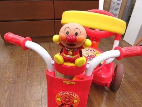 折りたたみ三輪車 あんぱんまんのキッズ ベビー用品 玩具 買取