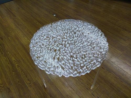 テーブルのカルテル