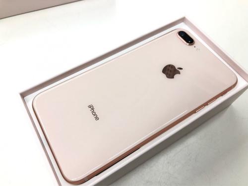 iPhone8plusのAPPLE 中古