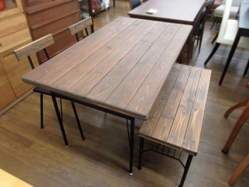 家具のテーブル ダイニング4点セット