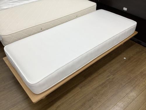 ベッドのグランツ