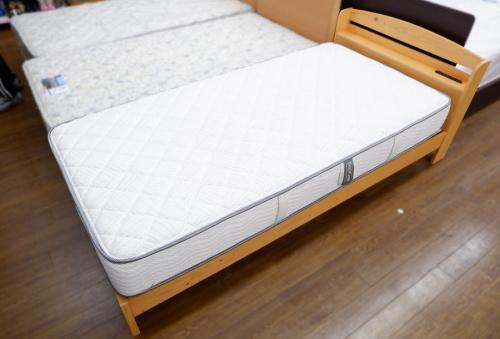 ベッドのシモンズ フランスベッド ニトリ