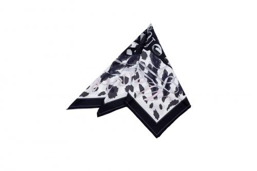 スカーフのシルク カレ90