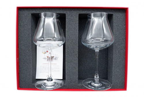 ワイングラスのシャトーバカラ