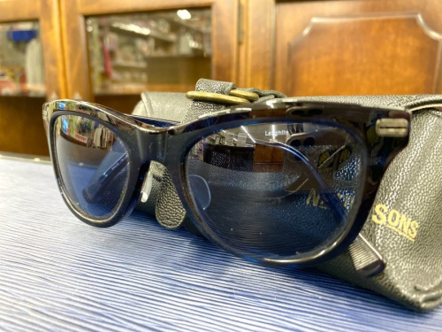 メンズファッションのサングラス