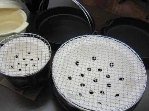 テーブルウェアの鍋