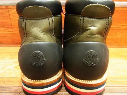 ブーツのモンクレール(MONCLER)