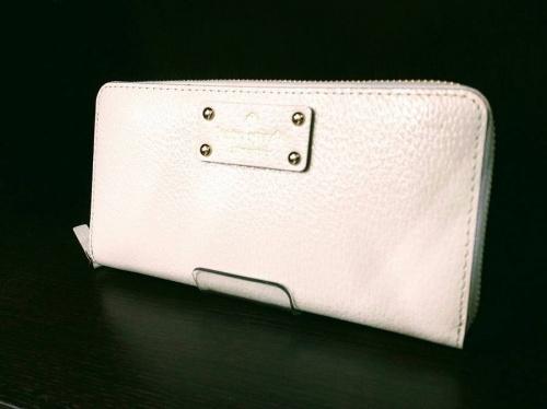 財布のKATE SPADE