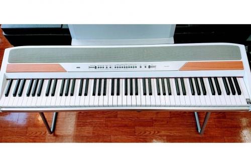 電子ピアノのキーボード