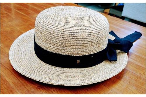 帽子のHELEN KAMINSKI