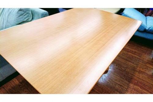 テーブルのKOSUGA