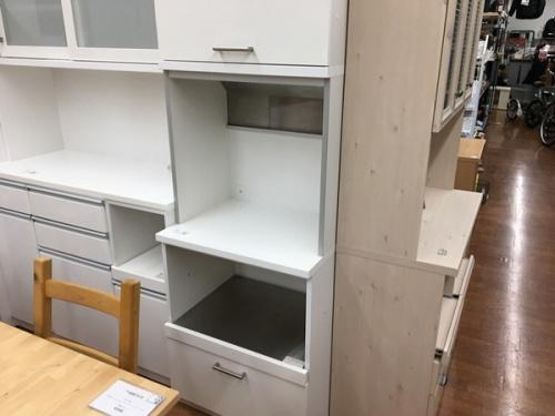 食器棚の武蔵村山 昭島 福生 青梅 東大和 家具 買取