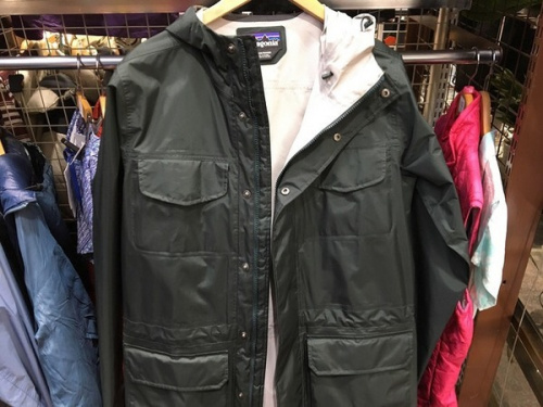 ジャケットのアウトドアウェア