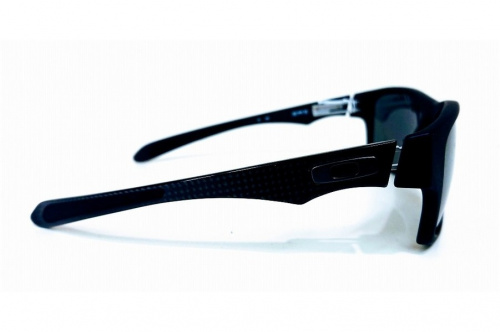 アウトドアのサングラス