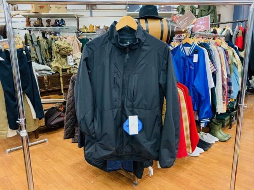 ジャケットのツーレイヤー オクタジャケット ハイブリッドアコンカグアジャケット グローブトレッカージャケット