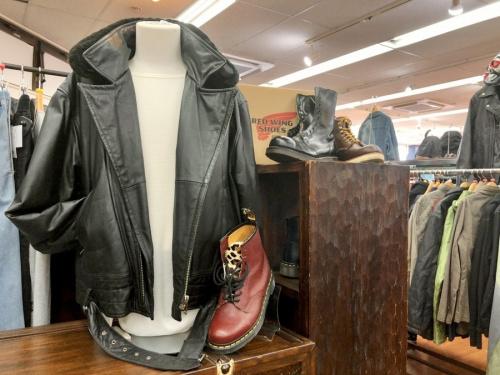 トップス コートのレザージャケット