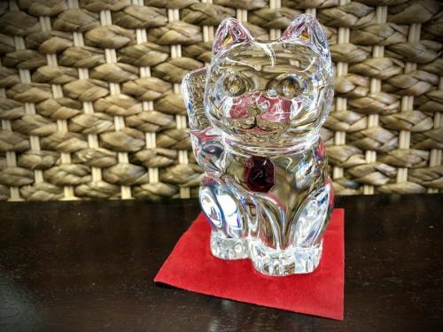 置物のまねき猫 レッドオクトゴン