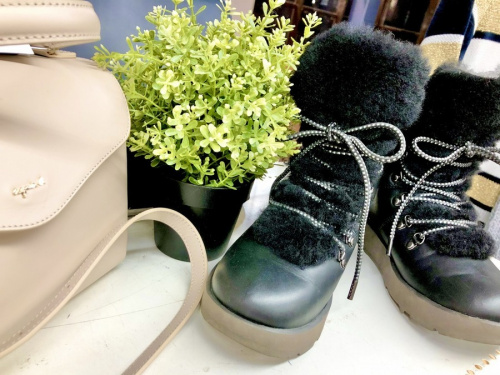 靴のブーツ VIKI ビキ