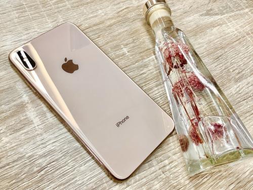 モバイル機器のスマートフォン