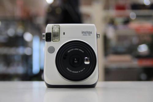 ミラーレスのインスタントカメラ