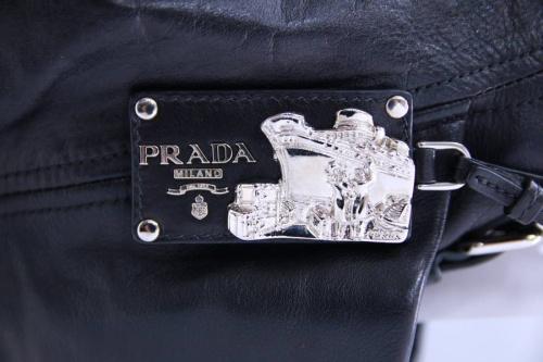 PRADAのショルダー
