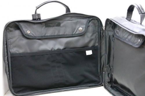 ビジネスバッグのバックパック