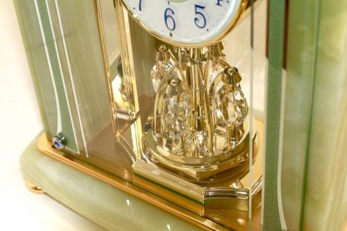 置時計のセイコー