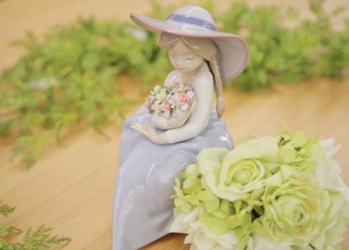 置物の陶器人形