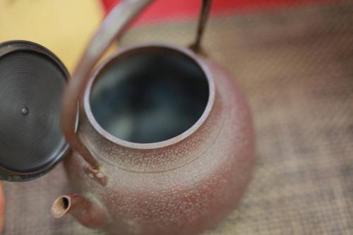 鉄瓶の鋳物