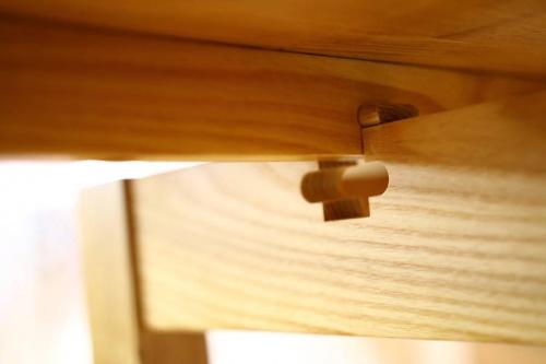 木目調テーブルのナチュラル系