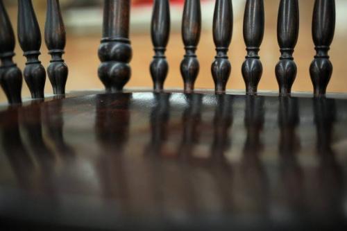 寛ぎの家具のロッキングチェア
