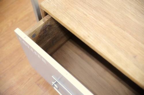 インダストリアル系家具のアイアン家具