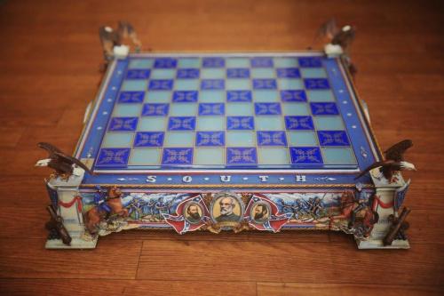 アンティーク雑貨のチェス盤