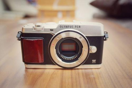 ミラーレスカメラのレトロカメラ