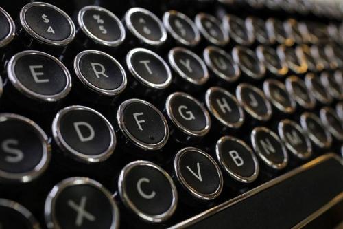 パソコン周辺機器のキーボード