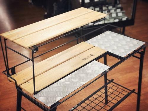 アウトドア用品のアウトドアテーブル