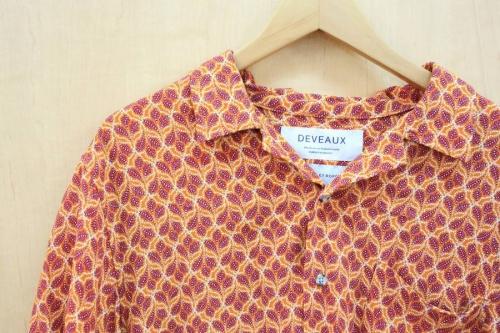 シャツのオープンカラーシャツ