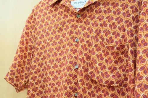 オープンカラーシャツの開襟シャツ