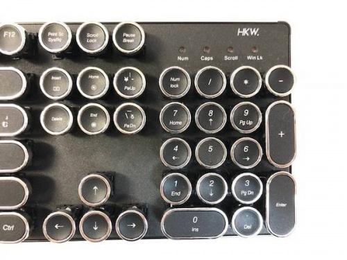 パソコン周辺機器のタイプライター