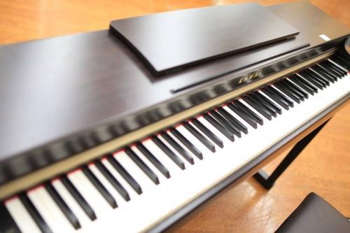 中古 電子ピアノの本格 電子ピアノ