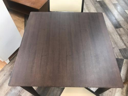 テーブルの千葉
