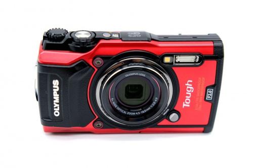 コンパクトカメラの防水カメラ