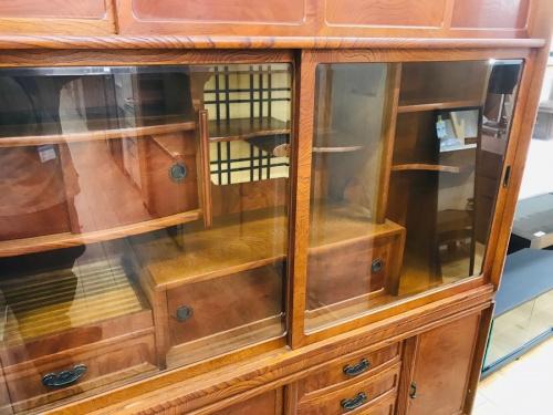 和家具・時代家具の違い棚