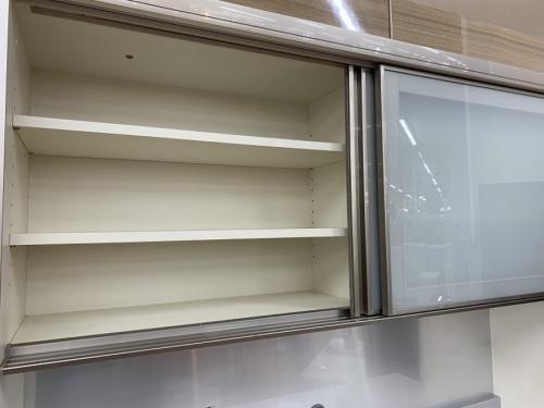 食器棚の千葉