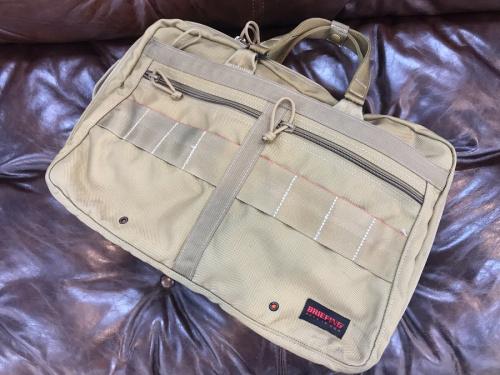 ブリーフィングのバッグ