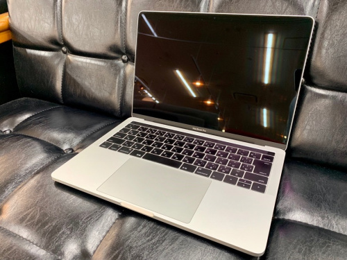 ノートパソコンのMacBook Pro