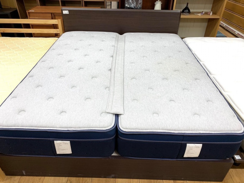 中古家具のベッド