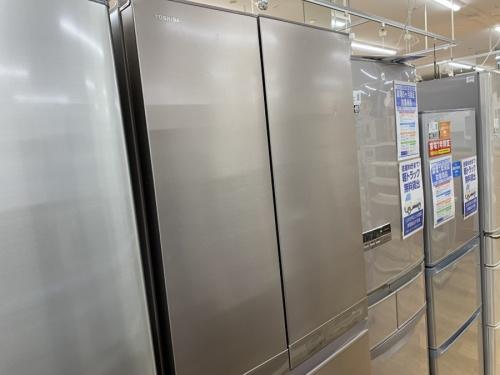 TOSHIBAの6ドア冷蔵庫