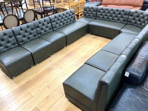 家具のコーナーソファ